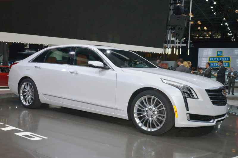 2016 Cadillac CT6 First Look Photo Gallery