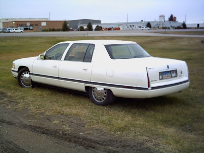 Picture of 1995 Cadillac DeVille Concours Sedan, exterior