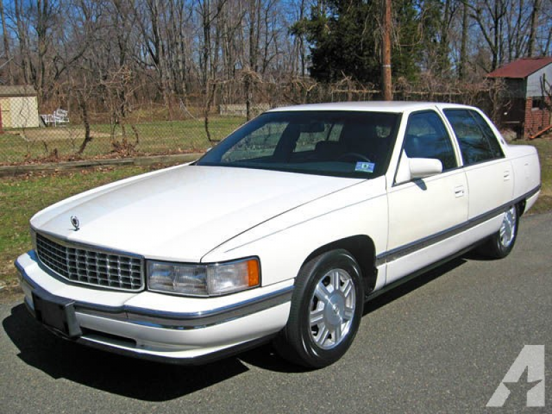 1995 Cadillac DeVille for sale in Marlboro, New Jersey
