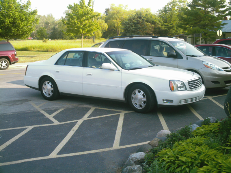 Description Cadillac Deville 2004.jpg