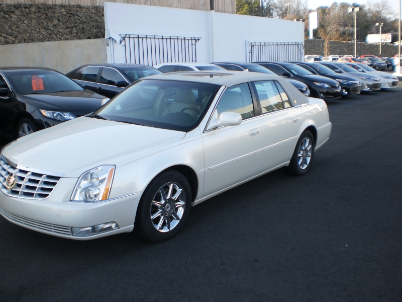 Picture of 2010 Cadillac DTS Luxury, exterior