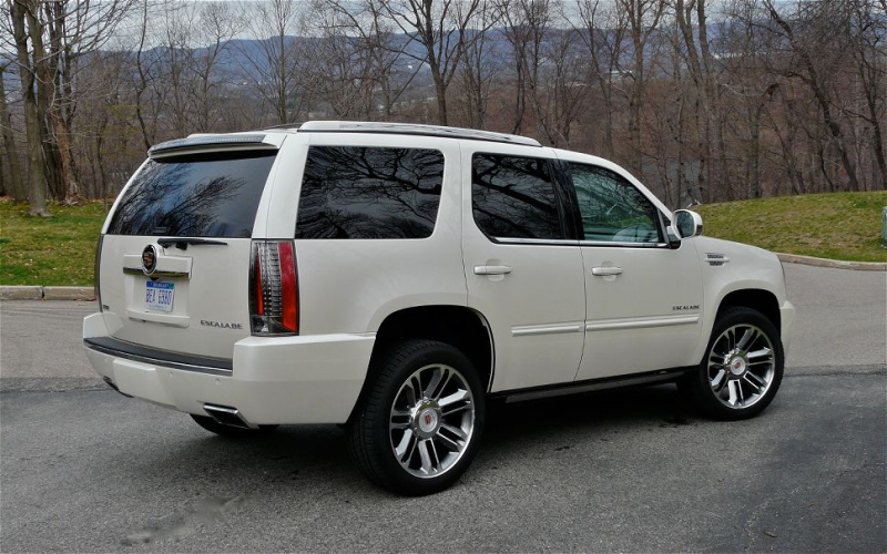 2012 Cadillac Escalade Rear Right Side View Photo 1
