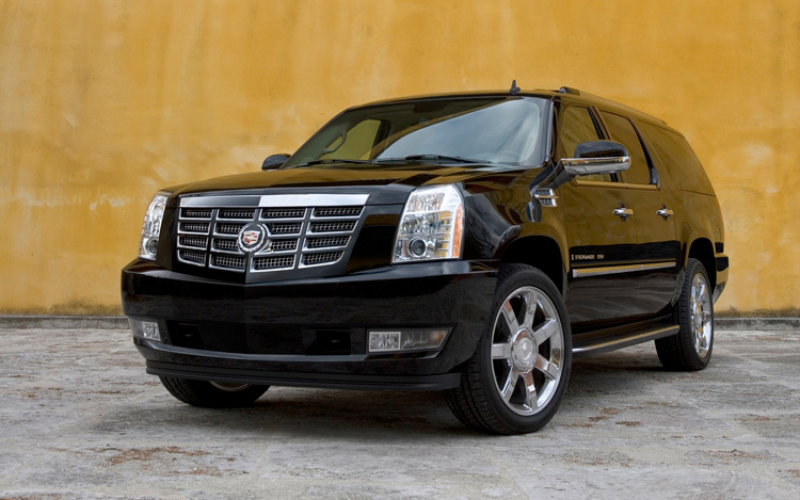 2011 Cadillac Escalade Esv Platinum Awd Front Three Quarters View