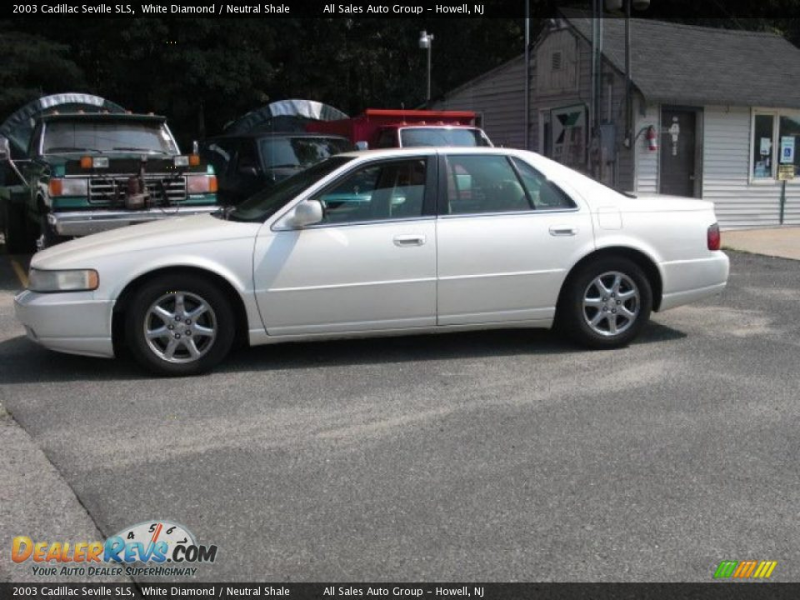2003 Cadillac Seville SLS White Diamond / Neutral Shale Photo #4