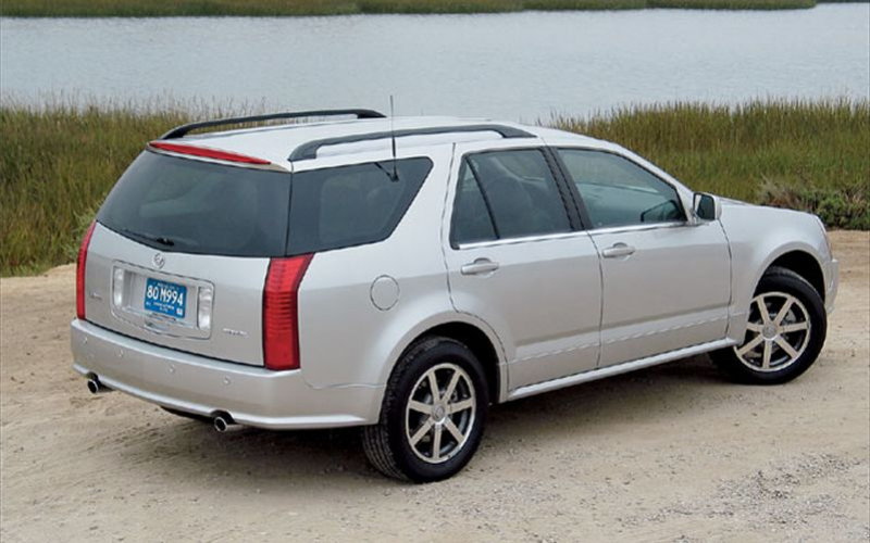 2004 Cadillac Srx Rear View