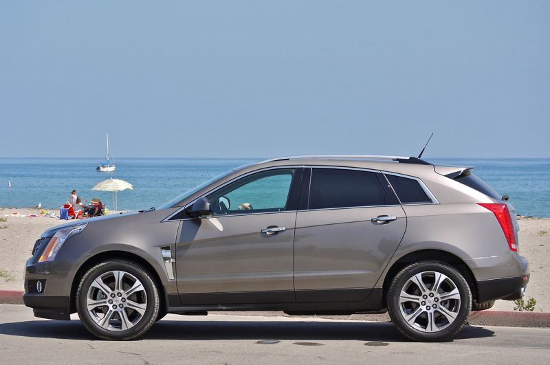 05-2012-cadillac-srx-review.jpg