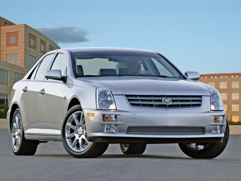 2005 Cadillac STS - Front Angle - Buildings - 1024x768 Wallpaper