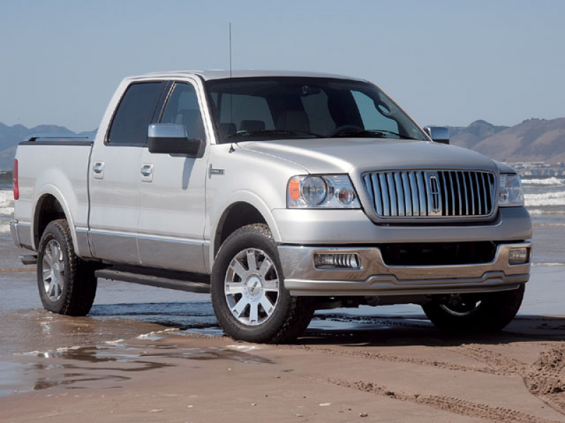 2006 Lincoln Mark Lt Front View