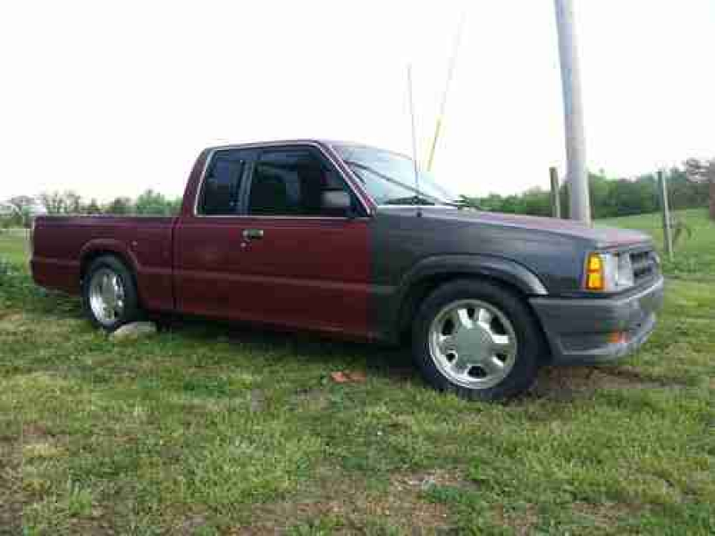 1992 Mazda B2200 Pick Up Truck With Another Parts Truck B2000 on 2040 ...