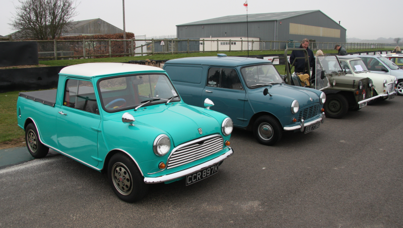 Description Mini Pickup, Van, Moke and Saloon - Flickr - exfordy.jpg