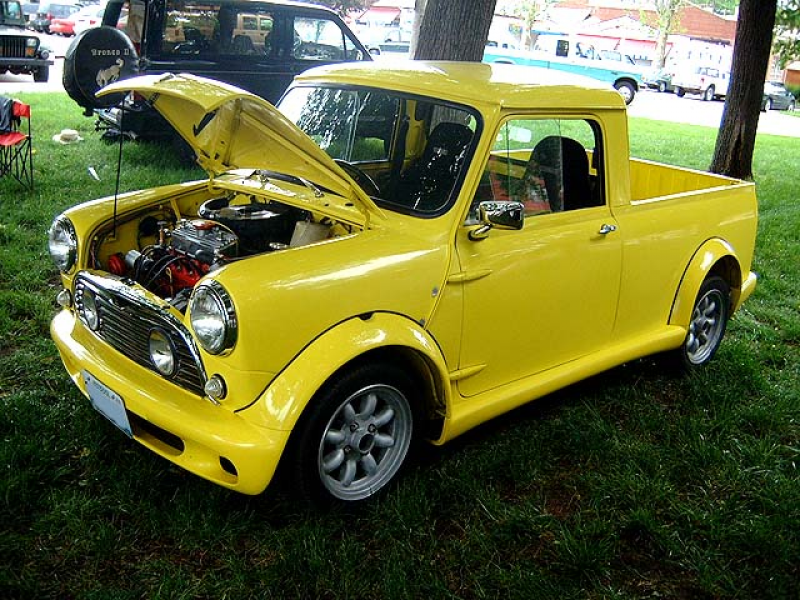 Thread: TOO COOL: Classic MINI Pickup Truck..