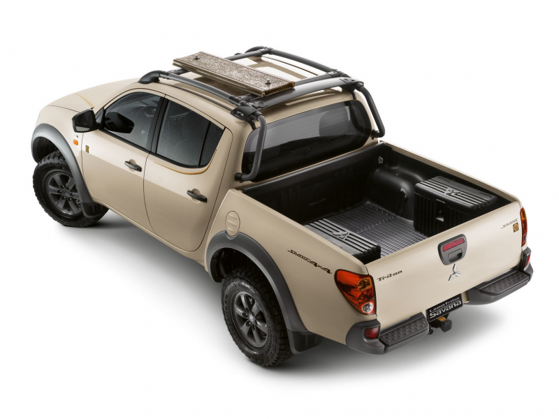 2014 Mitsubishi L200 Triton Savana pickup f wallpaper background