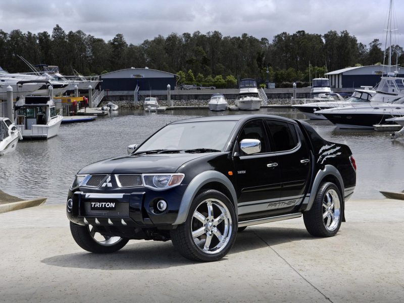 Black Metallic Color Mitsubishi Triton car images