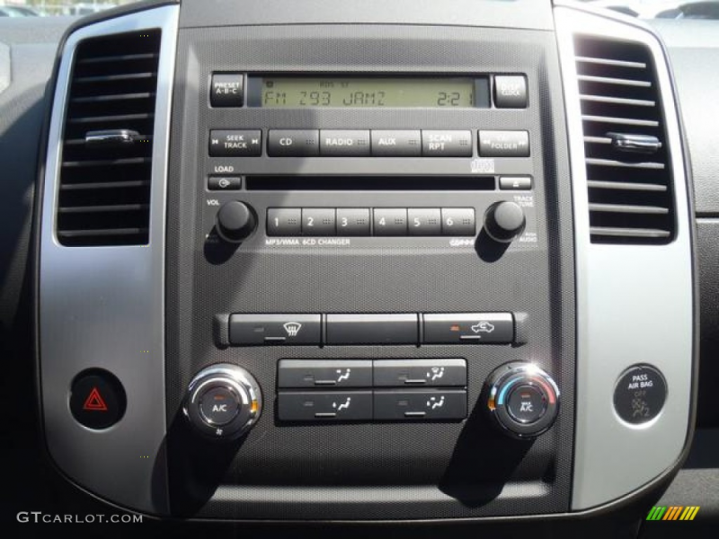 2012 Nissan Frontier Pro-4X King Cab 4x4 Audio System Photos