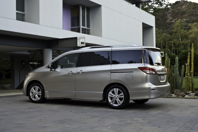 2013 Nissan Quest - Photo Gallery