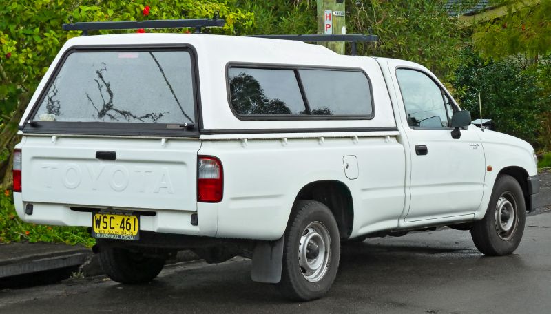 File:1997-2001 Toyota Hilux (RZN149R) 2-door utility (2011-07-17) 02 ...