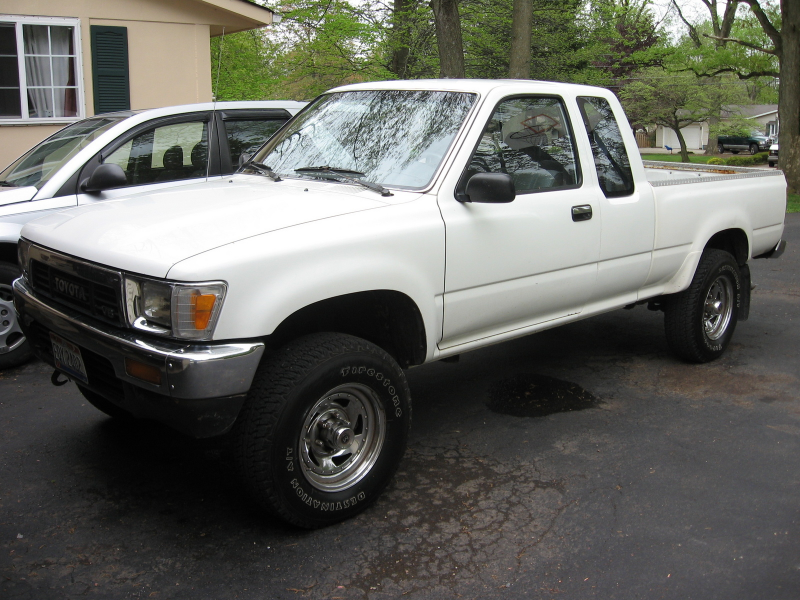 1991 Toyota Hilux picture, exterior