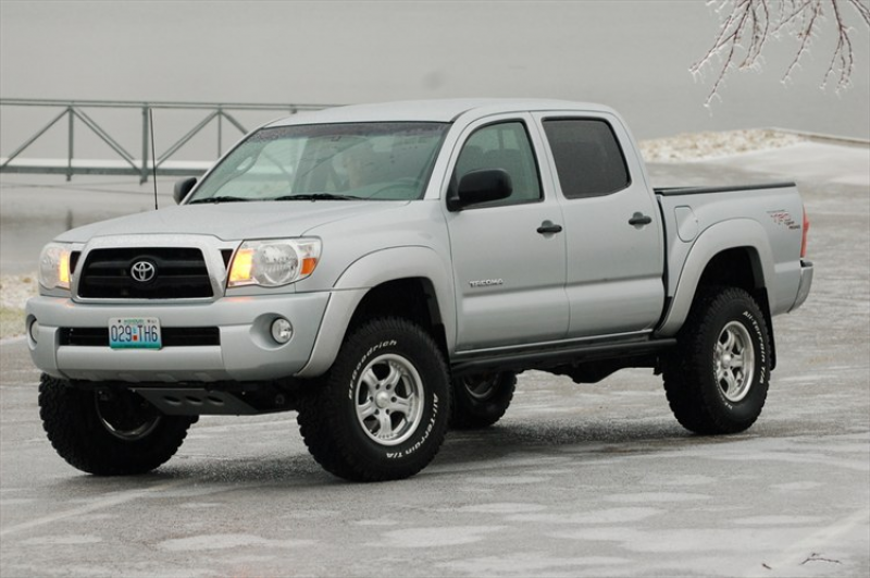 Related Pictures toyota tacoma lifted 2005 toyota tacoma left side