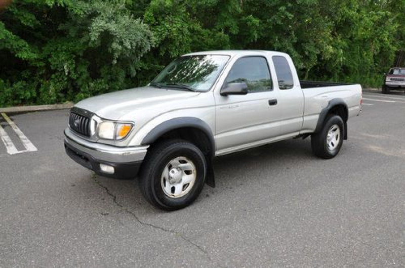 Toyota Tacoma Extended Cab Pickup 2-Door 2.7L No Reserve 4X4 Truck ...