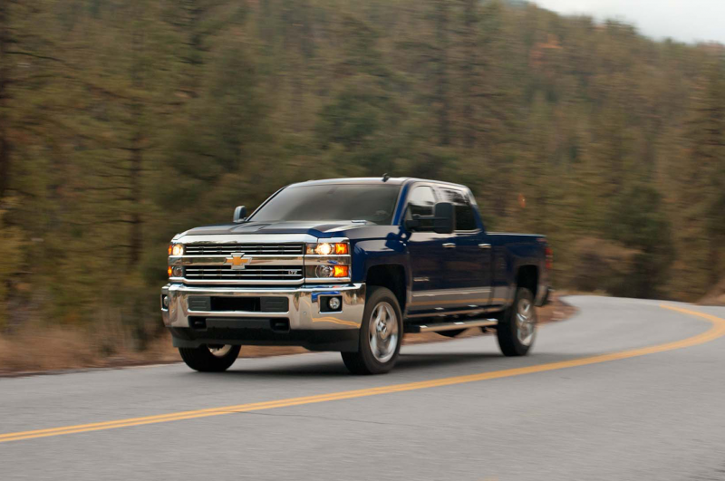 2015 Chevrolet Silverado 2500Hd Ltz Front Three Quarter In Motion