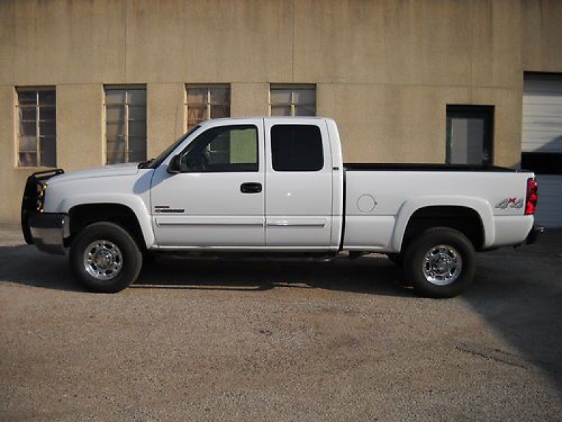 Chevrolet Silverado 2500 HD Extended Cab Short Bed, Diesel, 4-Wheel ...