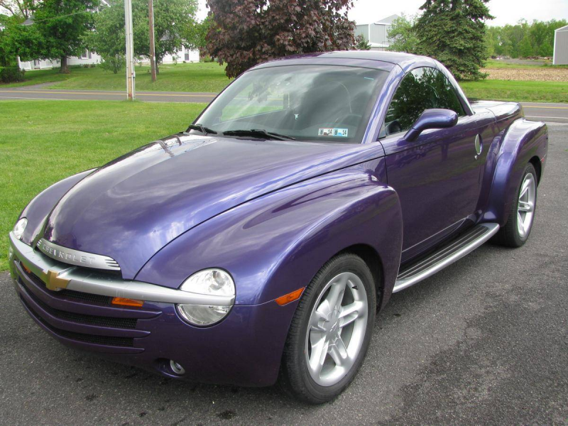 2004 Chevrolet SSR Convertible - Image 1 of 17