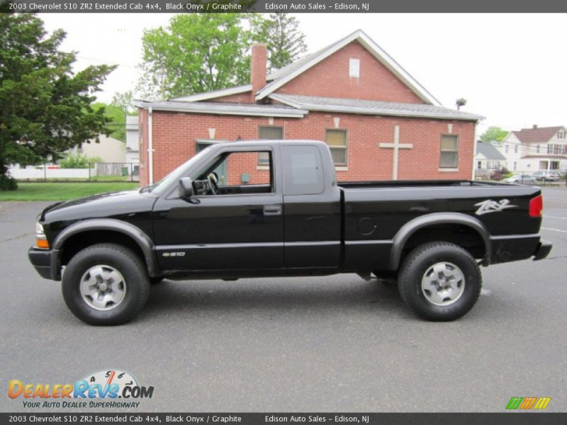 2003 Chevrolet S10 ZR2 Extended Cab 4x4 Black Onyx / Graphite Photo #1