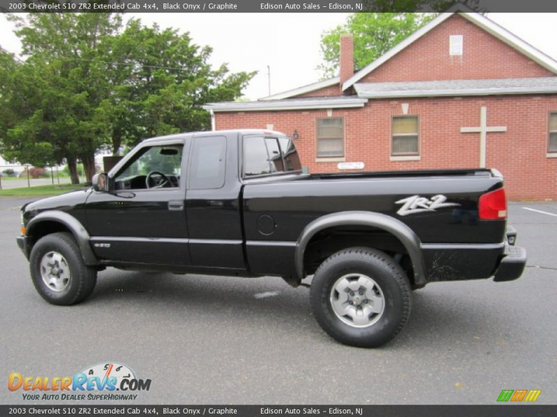 2003 Chevrolet S10 ZR2 Extended Cab 4x4 Black Onyx / Graphite Photo #4