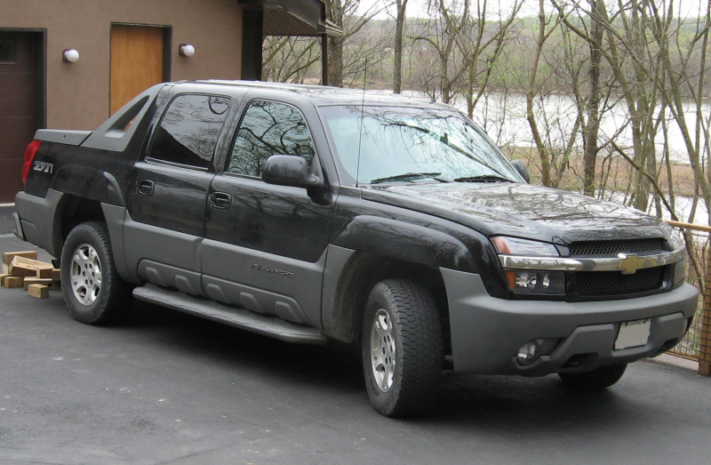 used chevrolet avalanche: