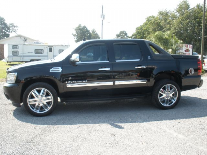 Used 2007 Chevrolet Avalanche for sale. | Black 2007 Chevrolet ...