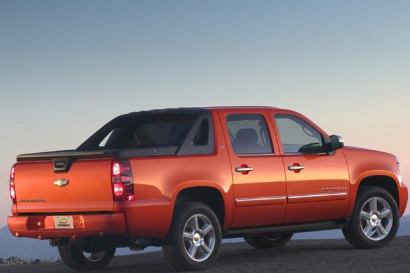 2007-2013 Chevrolet Avalanche Used Car Review