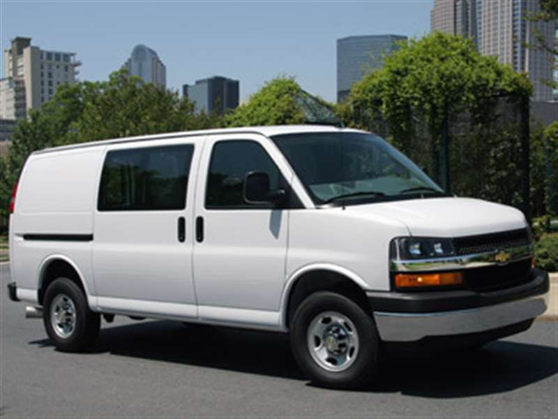 2013 Chevrolet Express 3500 Pictures