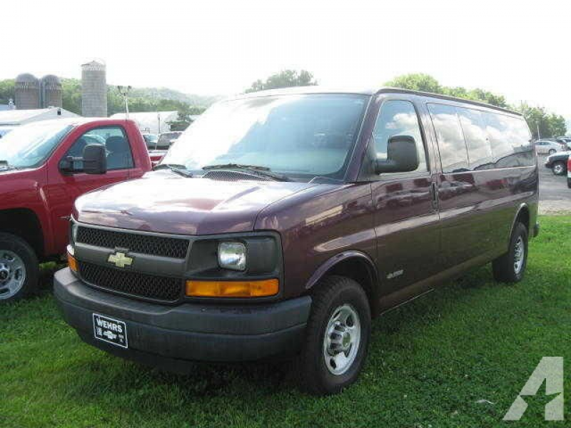 2004 Chevrolet Express 3500 for sale in Bangor, Wisconsin