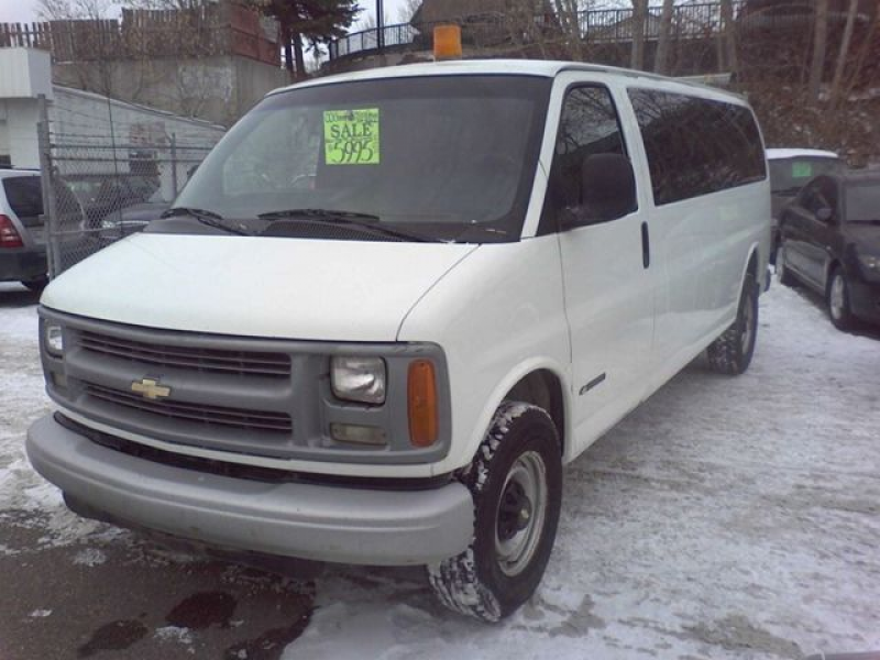 2000 Chevrolet Express 3500 Van White | THE FAST LANE | Wheels.ca