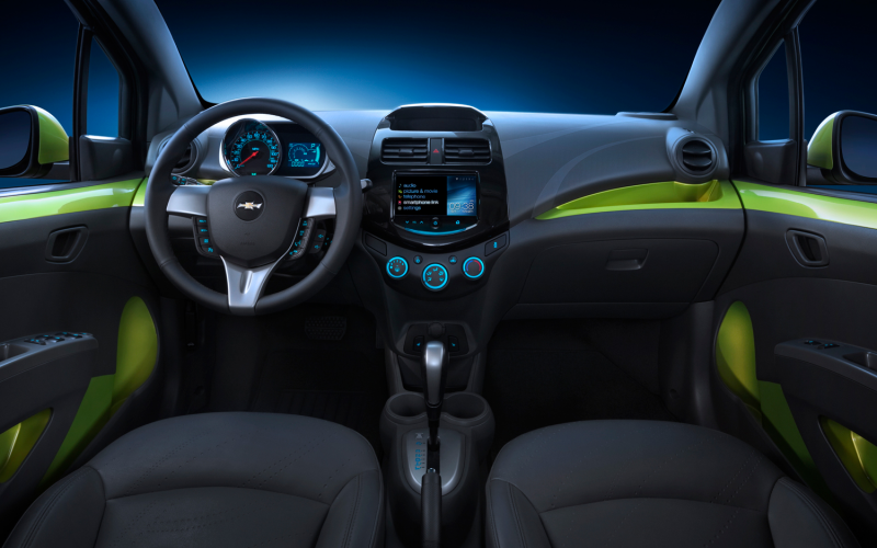 2013 Chevrolet Spark Photo Gallery