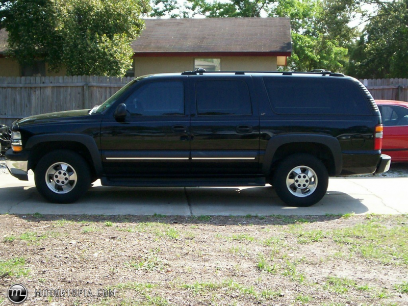 Photo of a 2003 Chevrolet Suburban LT (Family Ride)