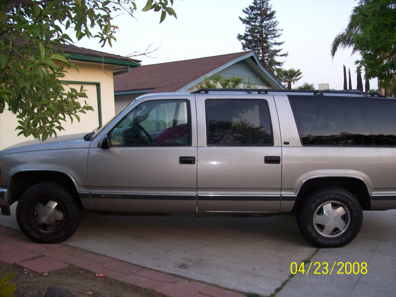 Picture of 1998 Chevrolet Suburban K1500 4WD, exterior