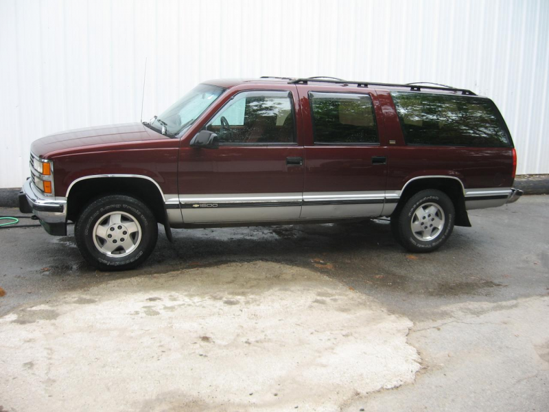 Picture of 1994 Chevrolet Suburban K2500 4WD, exterior