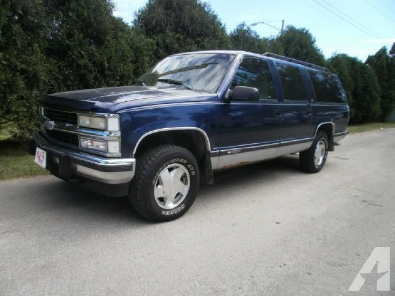 1994 Chevrolet Suburban 1500 for sale in Cedar Rapids, Iowa