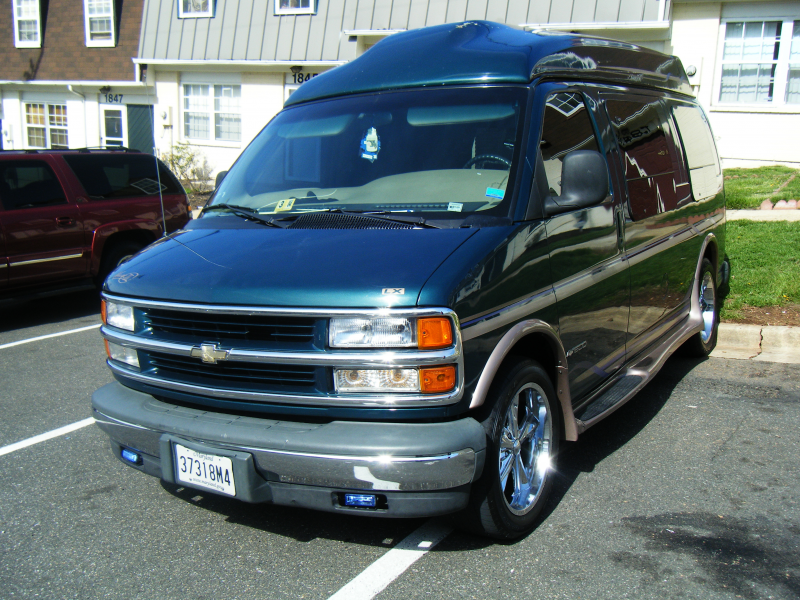 BIG-BLOCK-CHEVY's 1999 Chevrolet Express 1500 Cargo