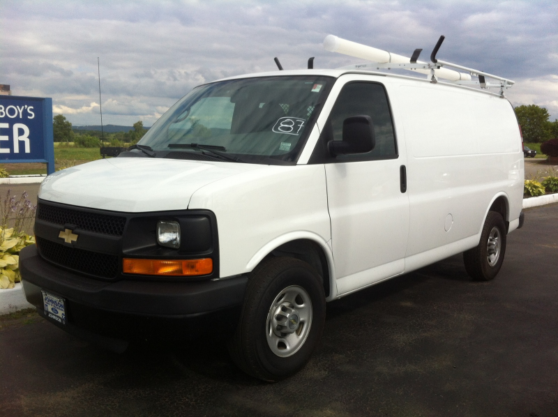 Chevrolet Express LS 2500 (2011)