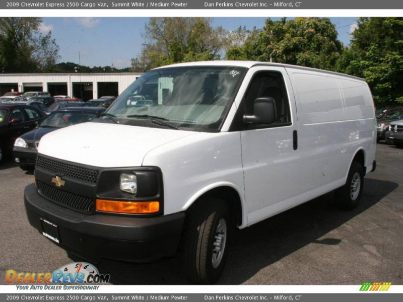 2009 Chevrolet Express 2500 Cargo Van Summit White / Medium Pewter ...