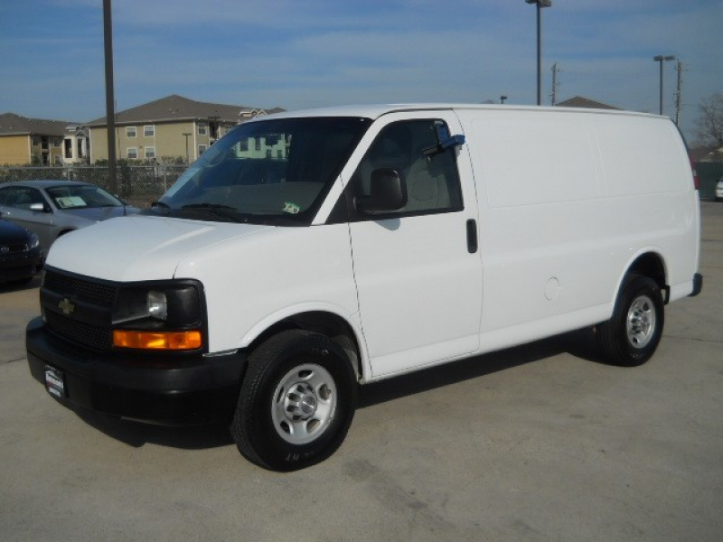 2009 Chevrolet Express Cargo Van 2500 in Pasadena, Texas