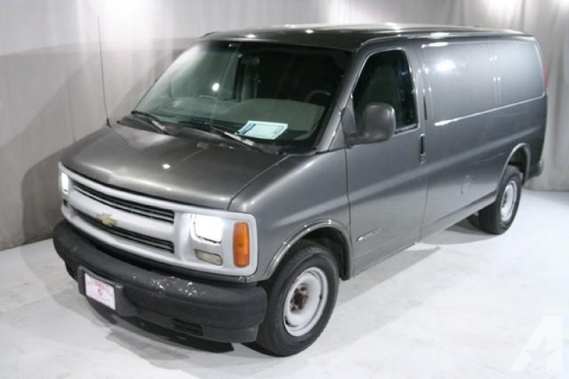 2000 Chevrolet Express 2500 Cargo for sale in Bedford, Ohio