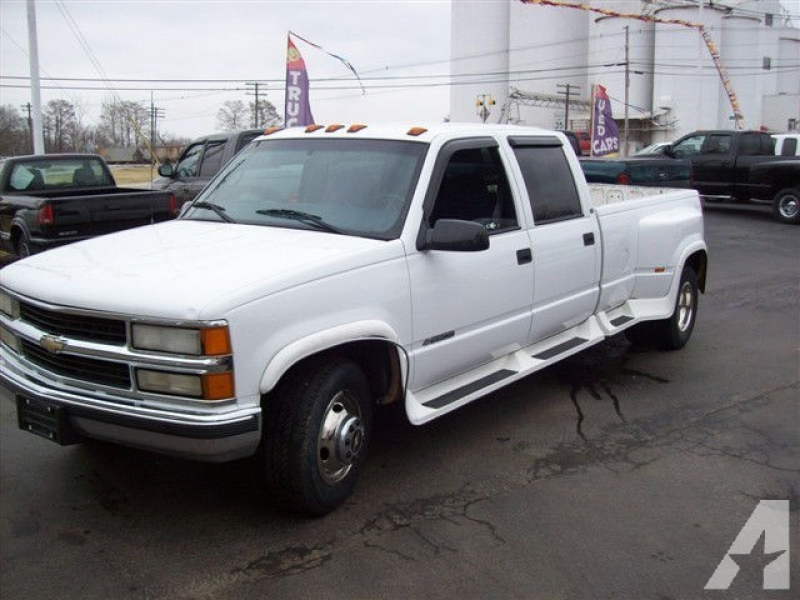 2000 Chevrolet Silverado 3500 for sale in Nashville, Illinois