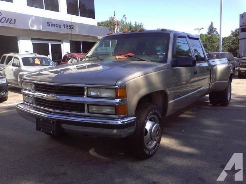 1999 Chevrolet Silverado 3500 for sale in Cedarville, Illinois