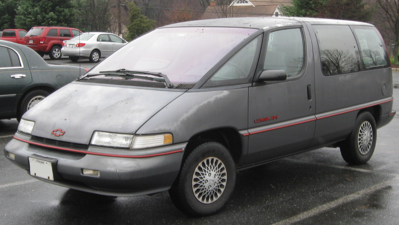 Description 1989-1993 Chevrolet Lumina APV -- 12-12-2010.jpg