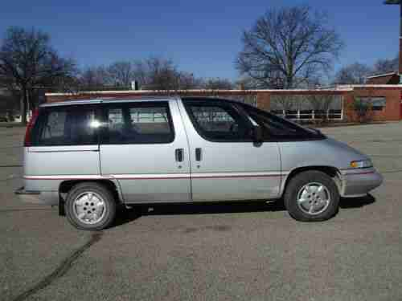 1993 Chevrolet Lumina APV Base Mini Passenger Van 3-Door 3.1L, image 3