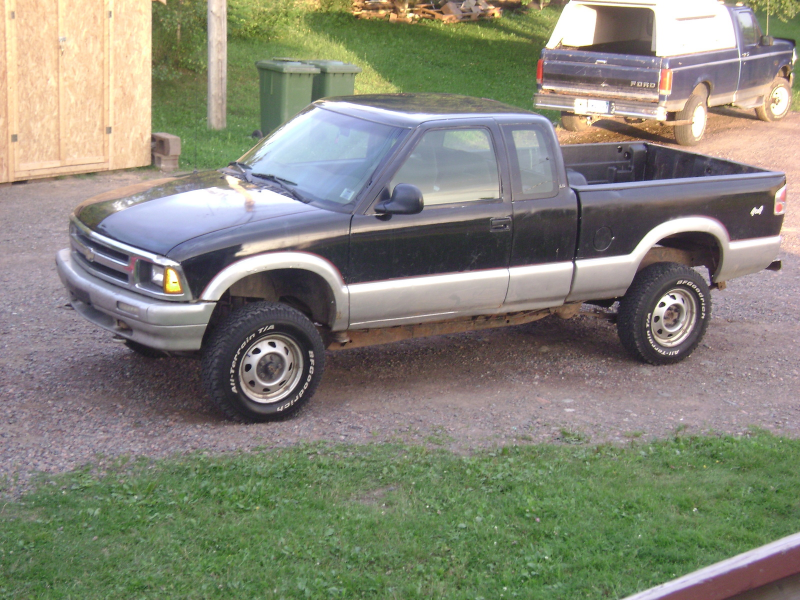 Picture of 1995 Chevrolet S-10 2 Dr LS 4WD Extended Cab SB, exterior