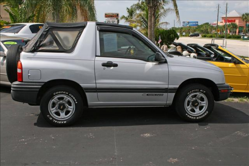 Chevrolet_Tracker_1999.jpeg
